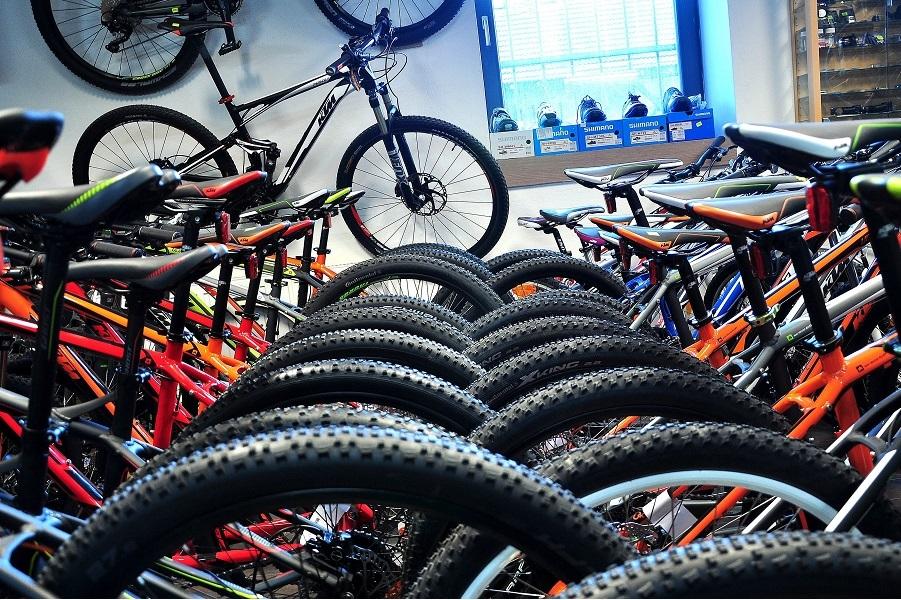 Sme cyklistická rodina. Všetci sme blázni do bicyklov, všetci aktívne jazdíme.